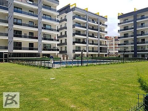 Site İçerisinde,Yüzme Havuzlu,Otoparklı,Güvenlikli...
