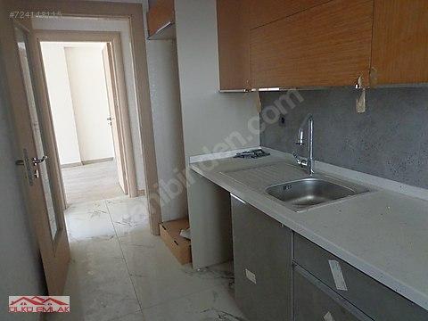 Karşıyaka b.üçok'ta akıllı binada çift banyolu...