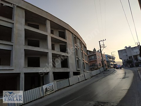 ALTINDAĞ MERKEZ MAHALLESİNDE CADDE ÜSTÜ SIFIR 622...