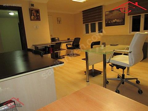 Yenibosna Zafer mahallesinde kiralık eşyalı ofis...