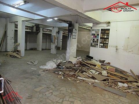 Yenibosna Zafer mahallesinde kiralık işyeri dükkan...