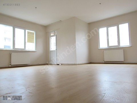 geniş salon geniş odalar üstelik metroya 5 dakika...