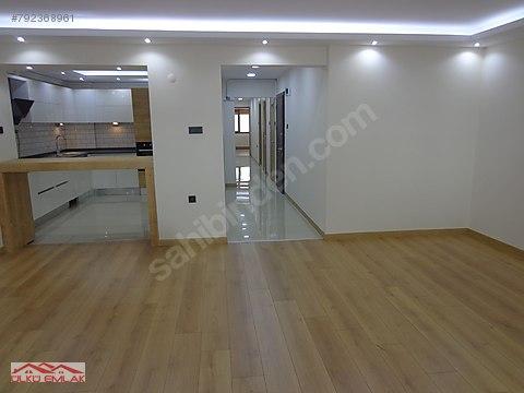 aksoyda 2.kat 145 m2 özel işçilikli merkezi konumda