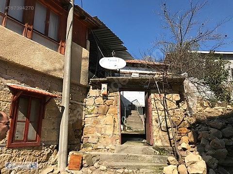 Yeşilyurt Köyünde Satılık Müstakil Taş Ev