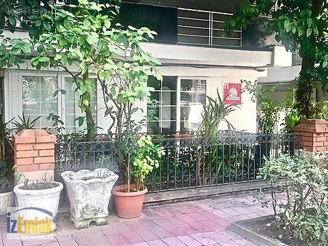 İZEMLAK'tan Mustafabey Caddesinde Cafe Restorana...