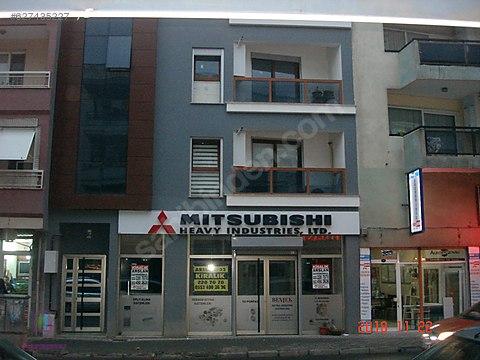 Abdul Hamit Yavuz caddesi üzerinde kiralık işyeri