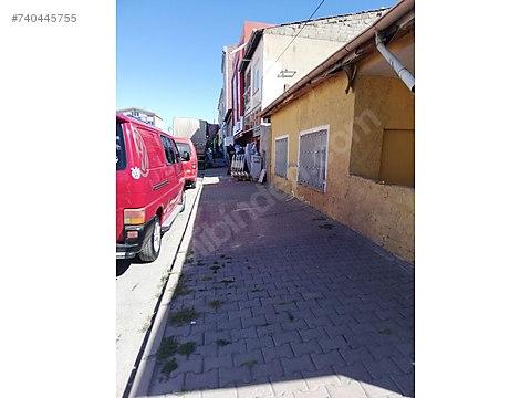 Müstakil cadde üstü