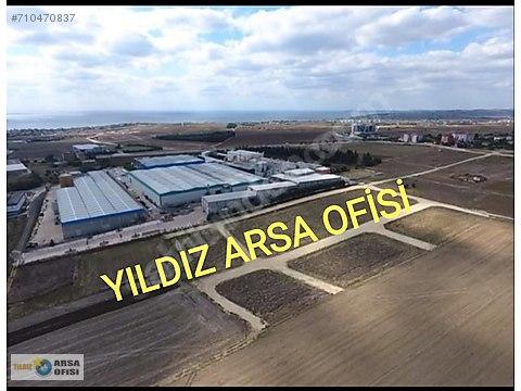 SİLİVRİ DE KÖŞE BAŞI YOLA CEPHE (543) METRE KONUT...