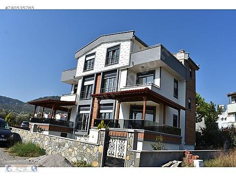 Küçükkuyu'da Satılık Tripleks İkiz Sıfır Villa