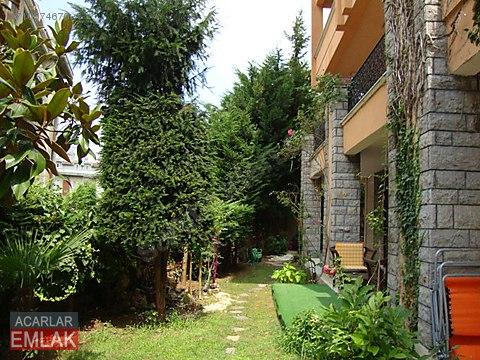 Sarıyer Acarlar da Merkezi Konumda 4+1 Villa Bahçe...