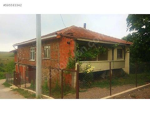 tam bir köy evi sadece160bine cami yanı akmeşeye...