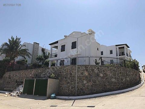Gündoğan merkezde çok özel deniz manzaralı villa
