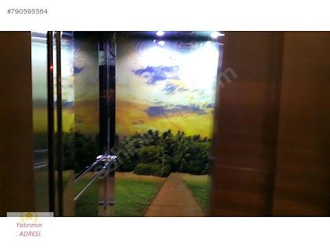 Kadirden akdere mutlu mah 2 yıllık asansörlü 4+1...