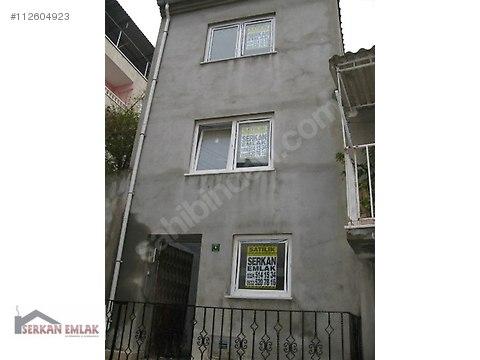 SERKAN'dan, Kayıkhanede 3 Katlı Ev ,4+1, 150 m²,Kısmen Tadilatlı #112604923