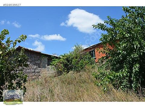 548 m2 40.000 TL meraya dayalı köy evi.