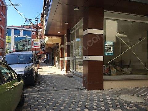 Merkezde araç Takaslı iskanlı düz giriş dükkan