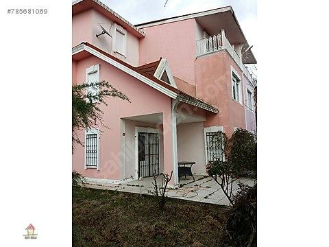 Celaliye Acil Satılık Köşe Villa Demir Deluxe Emlak