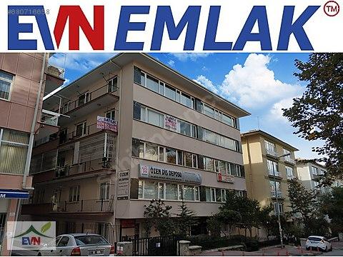 Kızılay Ataç2 sokakta, geniş cadde cepheli arakatta...