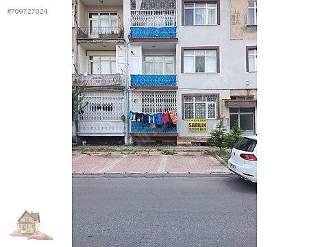 Yeniköy mahallesinde full yapılı satılık zemin