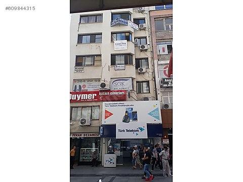 Karşıyaka Çarşı da Cadde Üzeri Satılık 45 m2 Asansörlü...