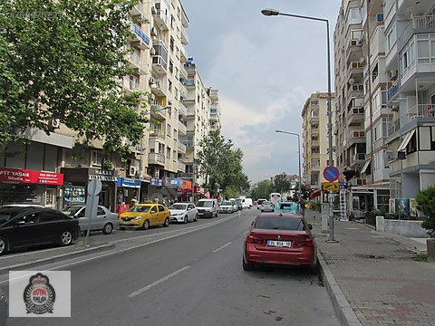 Bornova Ege Ün. ve Metro Yakını 7 Yıllık 3+1 Satılık...