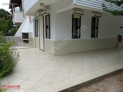 Site İçerisinde Muhteşem Konumlu 3+1 Villa