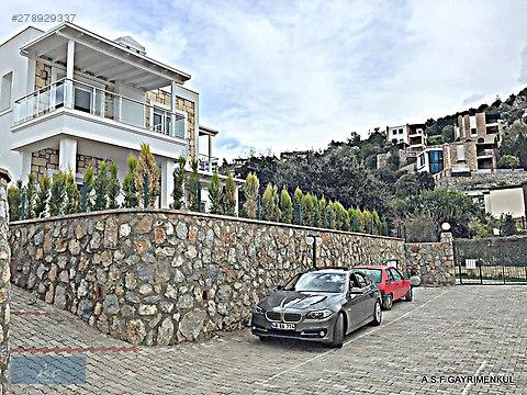 MERKEZDE TAM MÜSTAKİL,BAHÇELİ 500 m2 ARSA-200 m2...