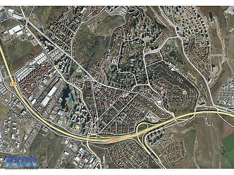 Bahçeşehir Boğazköy yolunda zemin katta 250 m2...