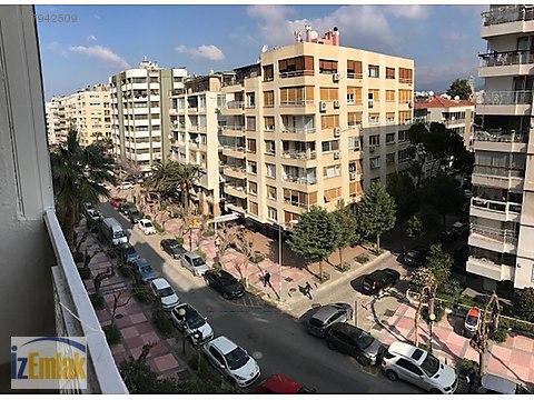 İZEMLAK'tan Mustafabey Caddesinde Aydınlık Daire...