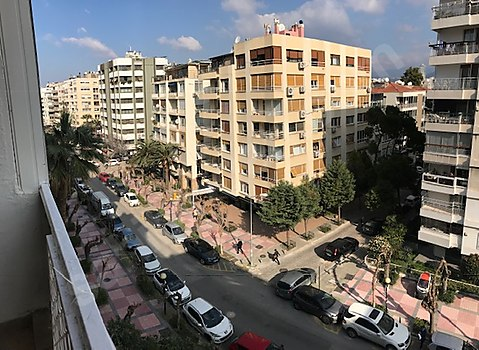 İZEMLAK'tan Mustafabey Caddesinde Çok Merkezi Aydınlık...